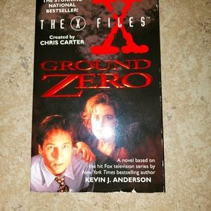1996 The X Files Ground Zero fair condition book